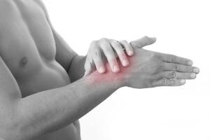 Боль в руке при вывихе