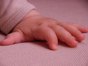 Вывих руки у ребенка
