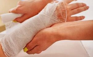 Чем можно порезать руку кроме лезвия — как порезаться без боли?