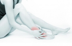 Острая боль в ноге