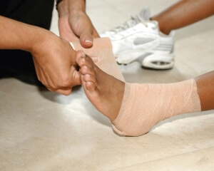 Фиксирующая повязка на ноге