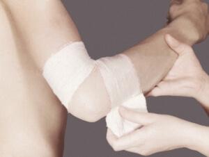 Наложение повязки на руку