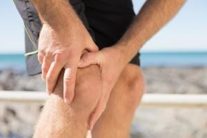 Как лечить растяжение связок коленного сустава: сроки восстановления боковых связок, что делать при симптомах, народные средства