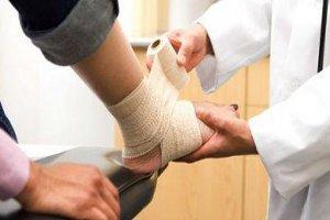 Бинтование и лечение