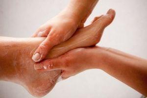 Растирание ног
