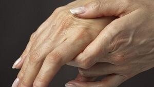 Боли в среднем пальце