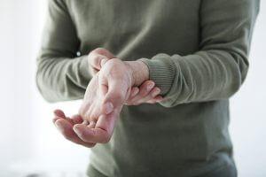 Болит большой палец