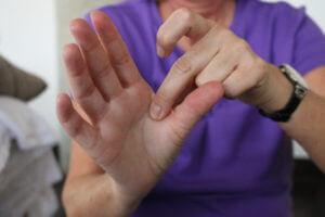 Онемение рук и кистей рук при шейном остеохондрозе