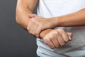 Причины онемения правой руки кисти