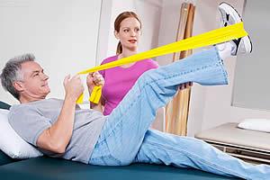 ЛФК при компрессионном переломе грудного и поясничного отдела позвоночника: упражнение с отягощением