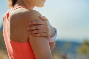 Болит плечо после пробежки