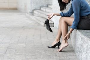 Болят ножки у женщины