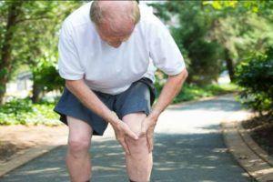 У дедушки болят ноги
