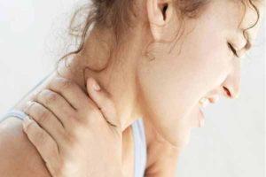 Болит шея и тошнит