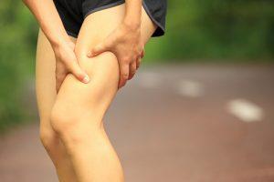 Болит нога над коленкой