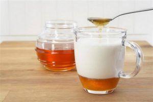 Молочко с медом