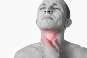Невыносимо болит горло
